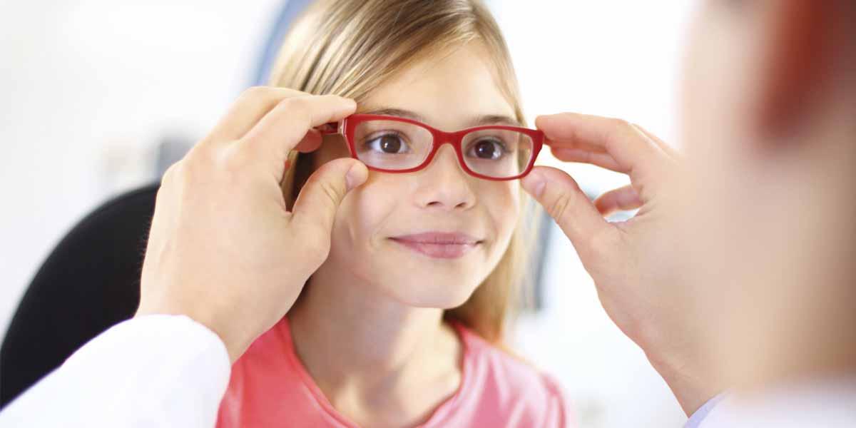 10 ways to realize your kid has weak eyesight problem
